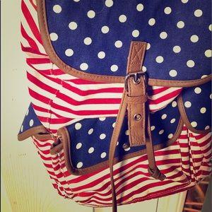 Hobo bag , aero , everlast , leggings , shirts .